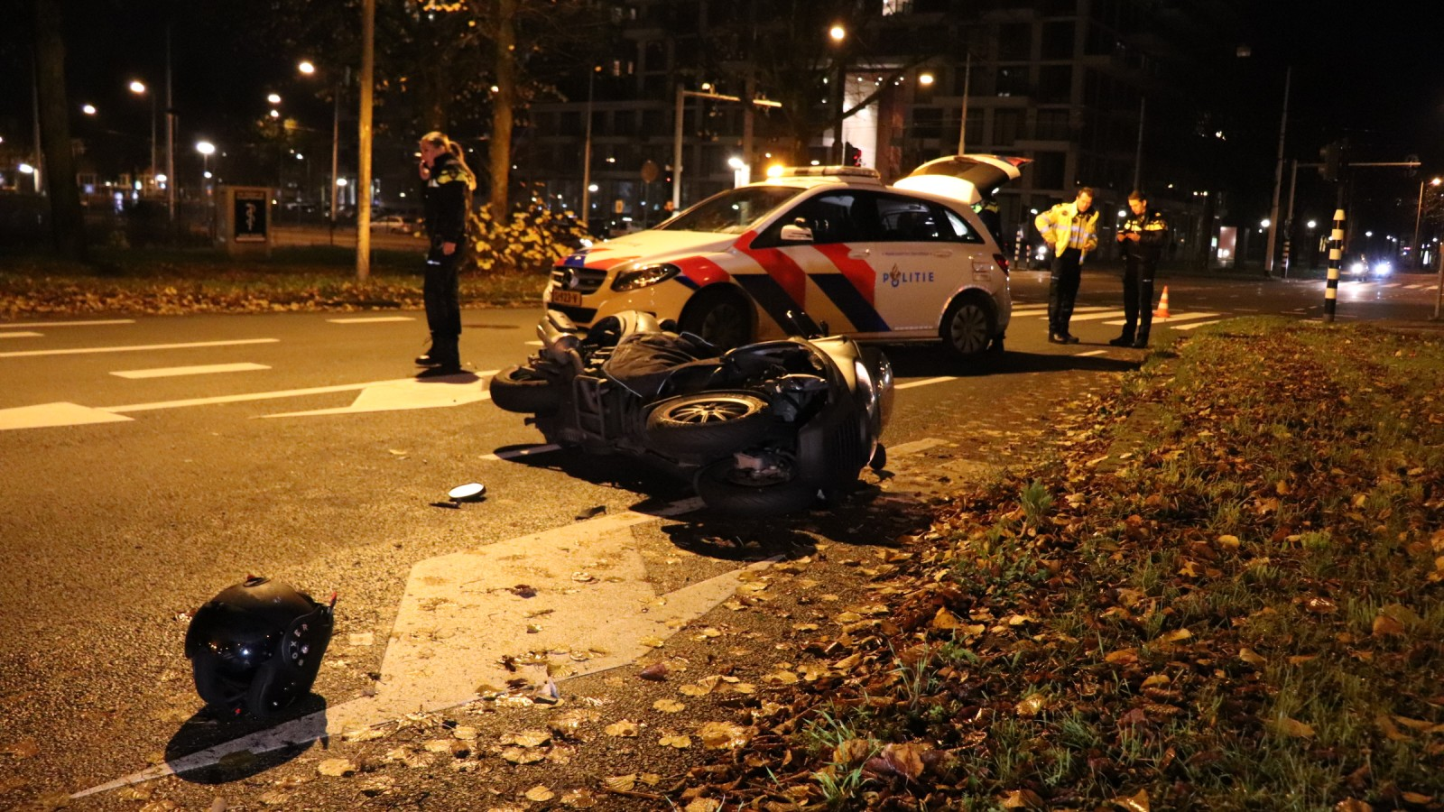 Motorrijder gewond na ongeluk op Jan van Galenstraat.