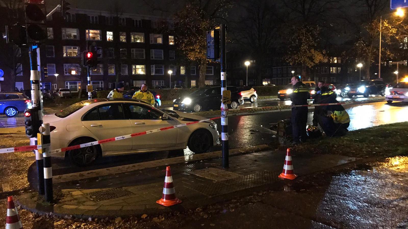 Geen treinen tussen Enschede en Hengelo door aanrijding met auto.