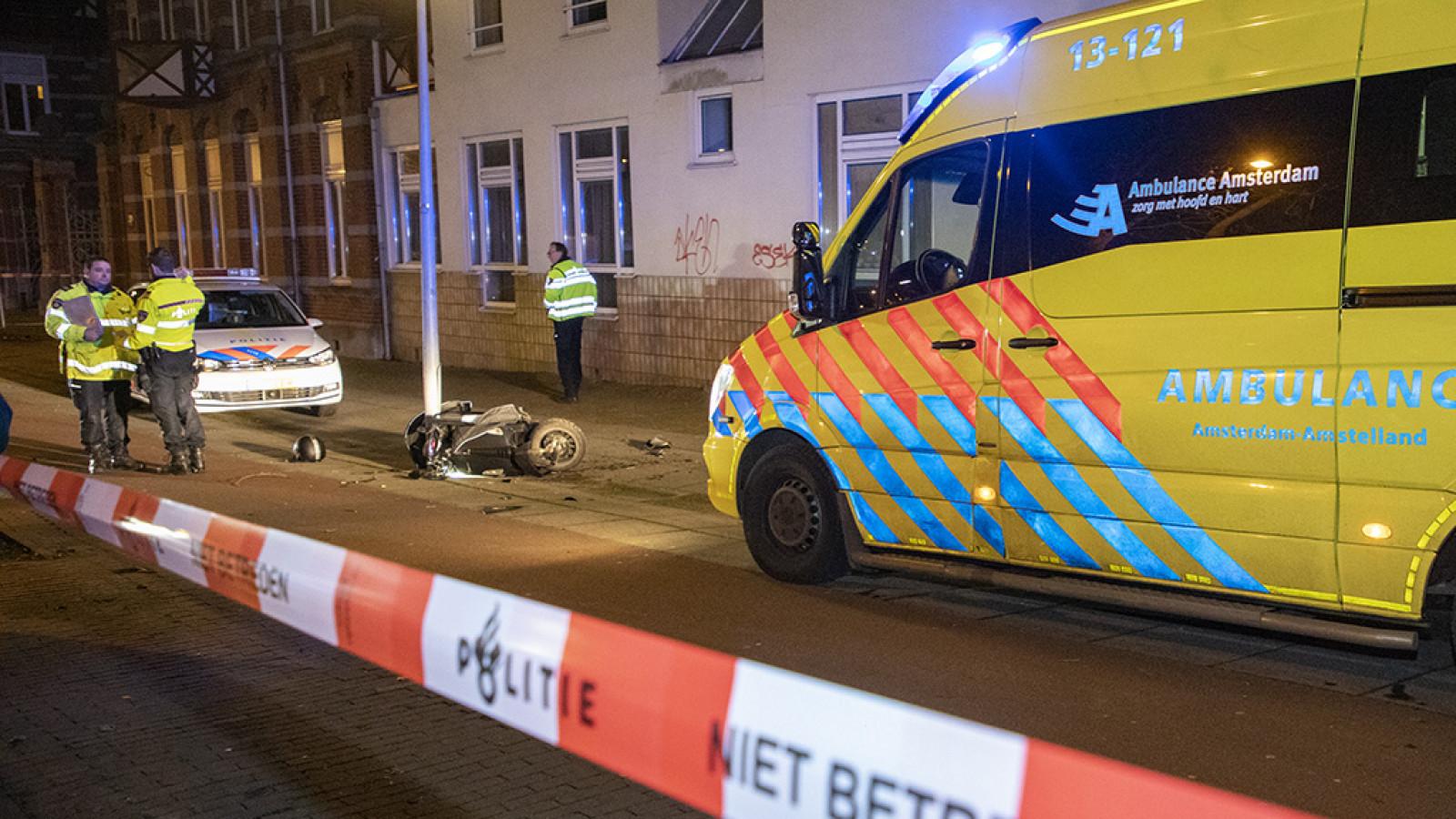 Scooterrijder ernstig gewond bij ongeval Veelaan in Oost.