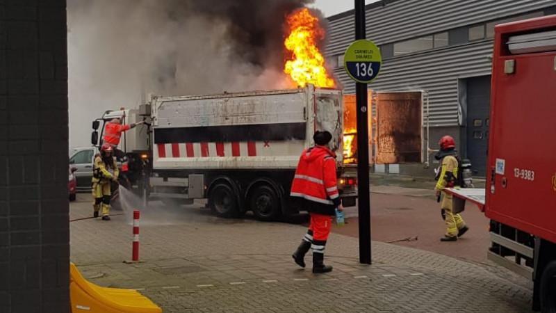 Brand vuilniswagen Noord