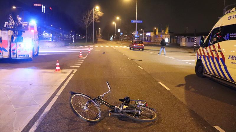 Fietser gewond bij ongeval op kruising Transformatorweg in Westpoort