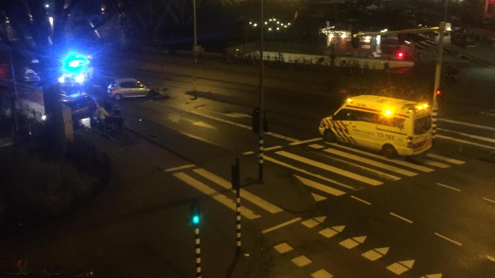 Gewonden bij ongeluk Barentszplein: Het is een ravage.
