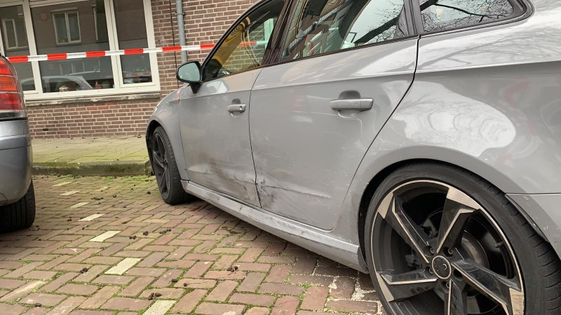 Klopjacht op inzittenden Audi A3 na achtervolging in Oost