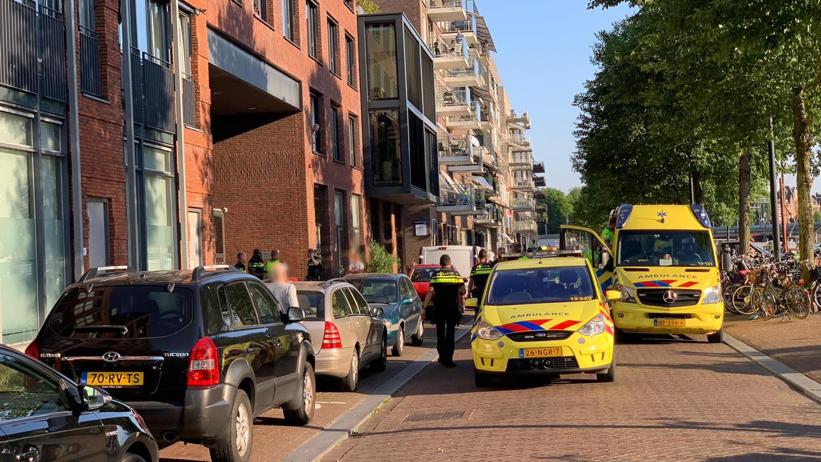 Kind naar ziekenhuis na aanrijding met auto op Westerdok.