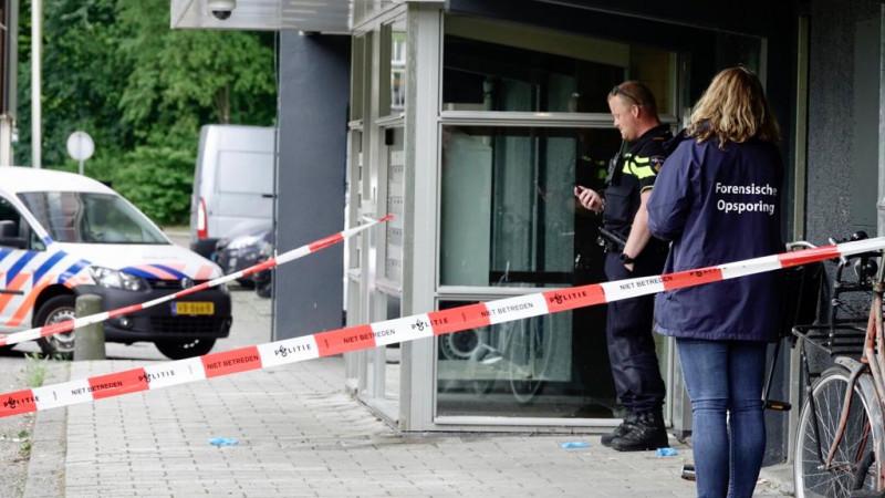 Politie doet onderzoek in garagebox